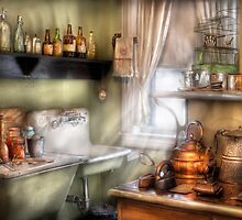 Momma's Kitchen by Mike  Savad