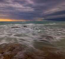 gamthumn stormy weather  by Elliot62