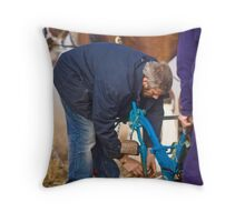 Every Little Tinker Helps Throw Pillow