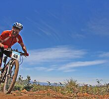 Riding along the Tops by fotosports
