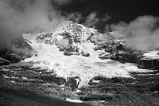 Mönch (Bernese Alps, Switzerland) by Lenka