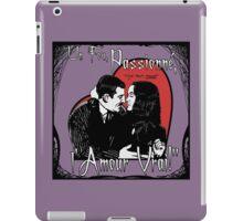 """Un Fou, Passionné, l'Amour Vrai!""- One Crazy, Passionate, True Love! (purple) iPad Case/Skin"