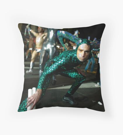 Brave new worlds Throw Pillow