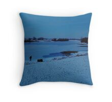 When night falls at the icy river Throw Pillow