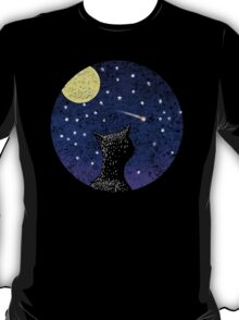 Cat looking at shooting star T-Shirt