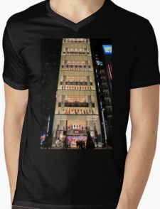 UNIQLO Ginza Streetscape, Chūō, Tokyo Mens V-Neck T-Shirt