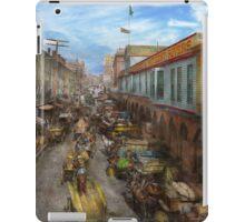 City - Baltimore MD - Traffic on light street - 1906 iPad Case/Skin