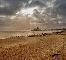 Eastbourne Pier 2 by TonyPriestley