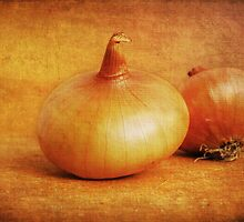 Onions by VikaRayu