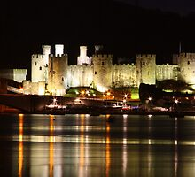 Conway Castle at night by Kimberley  x ♥ Davitt