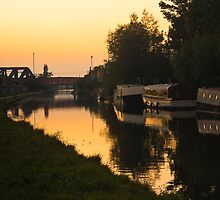 Grand Union Canal at Mitre Bridge by Paul Davey