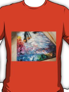 Many oil mixed paints T-Shirt