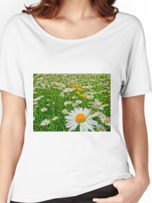 Field of oxeye daisy flower Women's Relaxed Fit T-Shirt