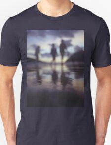 Silhouette of people walking on beach dusk sunset evening sky Hasselblad medium format film analogue photo T-Shirt