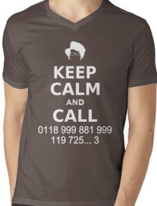 Keep Calm and Call 0118 999 881 999 119 725... Mens V-Neck T-Shirt
