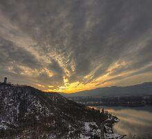 HomeTown Sunrise by lefotodelmaui