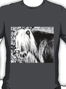 pony portrait in black and white T-Shirt