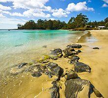 Catamaran Rocks by Rob Brooks