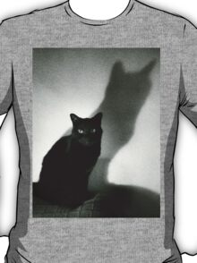 Portrait of black cat on sofa film noir chiaro scuro black and white square silver gelatin film analog photo T-Shirt