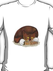 Kitten Enjoys Eating Corn on the cob T-Shirt