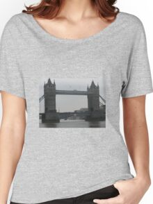 TOWER BRIDGE Women's Relaxed Fit T-Shirt