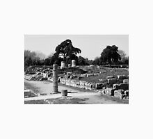 Paestum: archaeological site with trees and column Unisex T-Shirt