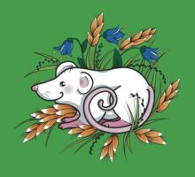 Mouse in the grass - t-shirt by oksancia