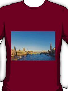 Thames Riverscape, London England T-Shirt