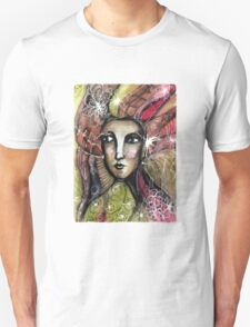 She thinks she was a bird in a past life... T-Shirt