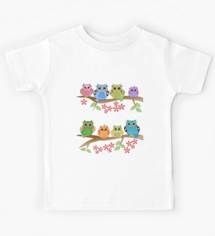 Cute colourful owls on branches Kids Tee