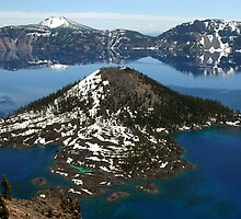 Wizard Island in Crater Lake National Park, Oregon by Matt Emrich
