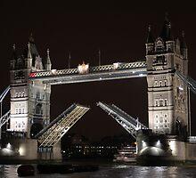 Tower Bridge - London by Tim Emmerson