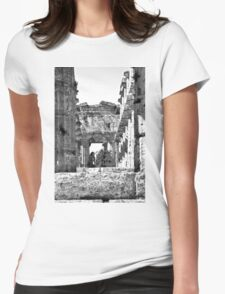 Paestum: photographer girl in the temple Womens Fitted T-Shirt