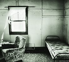 A room with a breeze - Widgiewa Station NSW by RalphOlsson