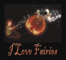 I love fairies T-shirt by Aerhona
