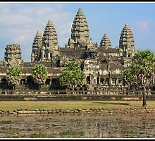 Angkor Watt by Shaun Whiteman