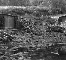Ballachulish boathouses by lynncuthbert