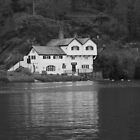 Daphne du Maurier, Ferryview house by 1throughmyeyes