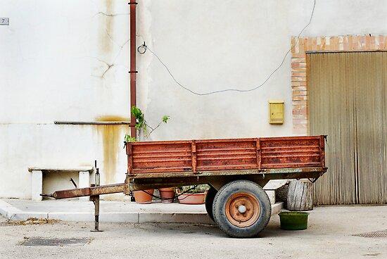 trailer nit-107 by Raymond Capozzi