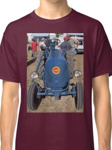 """Voitures  - Cars """" intense technical discussions of ancient times """"  18  (c)(h) by Olao-Olavia / Okaio Créations kodak z1285  2013 Classic T-Shirt"""