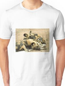What dogs do best (African hunting dogs) T-Shirt
