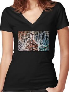 Ripley and the Alien Art Print. Aliens, Sigourney Weaver, Joe Badon, Ridley Scott, James Cameron, Drawing, illustration, sci fi, horror Women's Fitted V-Neck T-Shirt