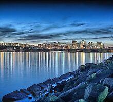 Memorial Bridge at night HDR by mkurec