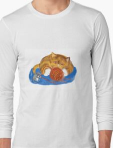 Mouse and Kitten with a Yarn Ball Long Sleeve T-Shirt