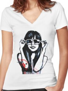 DellaGunnz Women's Fitted V-Neck T-Shirt