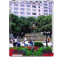 Plaza Hotel, NYC pouch iPad Case/Skin