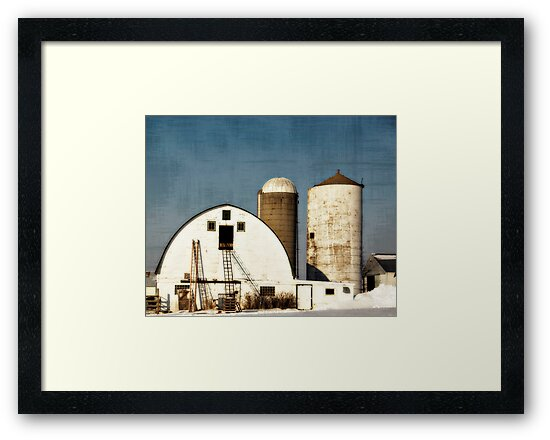 Wisconsin Barn with a little PS3 by kevinw
