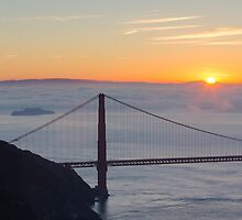 Golden Gate Sunrise by fangshangwei