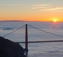 Golden Gate Sunrise by fangshangwei