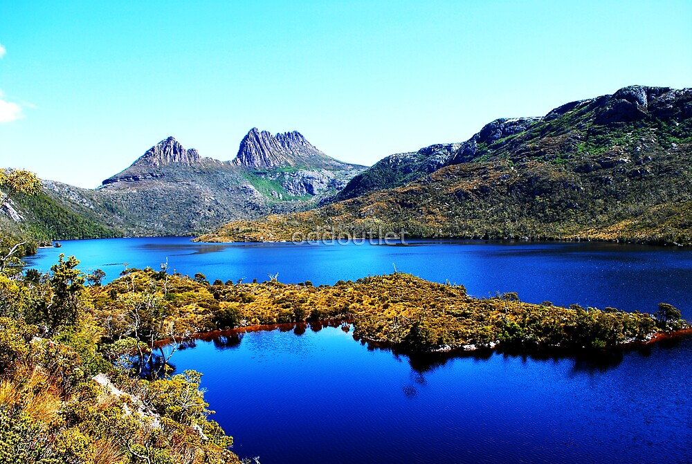 Cradle Mountain  by oddoutlet